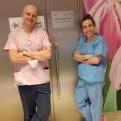 Dr Jakub Targowski i dr Sara Annan – zabieg usunięcia pęcherzyka żółciowego